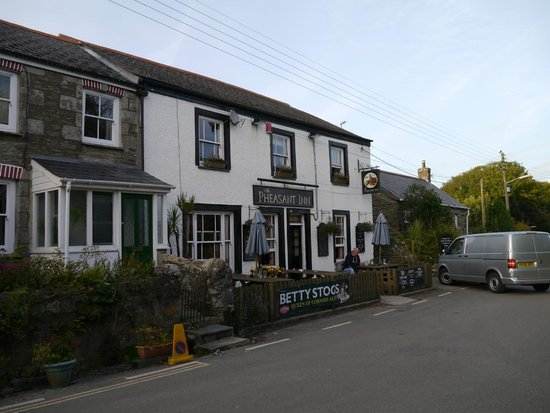 The Pheasant Inn Public House: The external view and front seating area