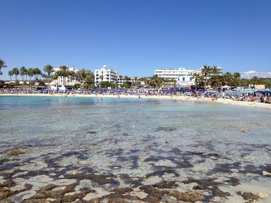 Pavlo Napa Beach Hotel: Sandy Bay