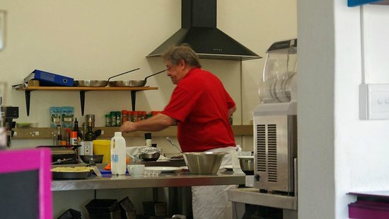 Main Street Cafe: Chris, the multi-talented American in the citchen