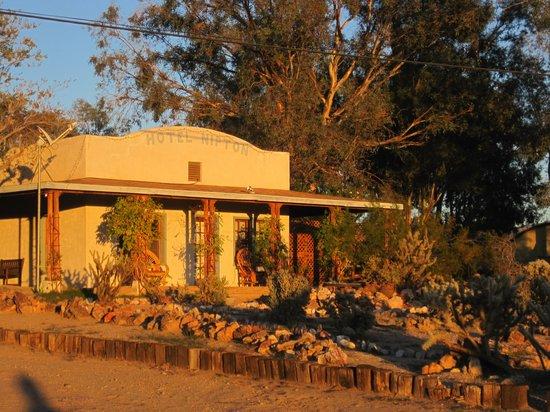 Nipton, كاليفورنيا: Hotel Nipton in Setting Sun