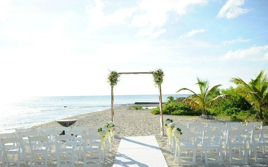 Wedding on the beach at The Wharf