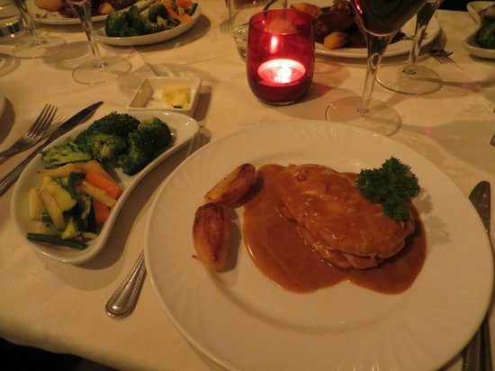 Dubh Prais : Simply presented meal