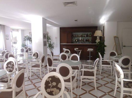 Alpha Hotel: Bar Area