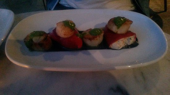 St. Elmo Dining Room and Bar: This pic doesn't do justice to how yummy the scallops were!