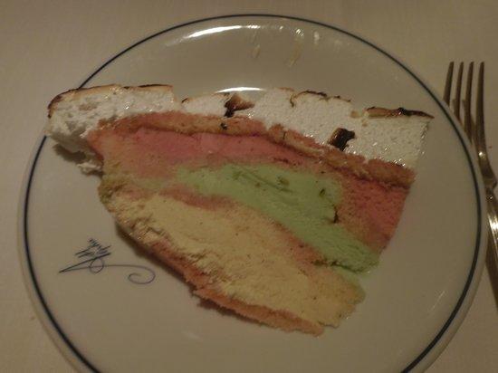 Alpha Hotel: Vesuvio Cake