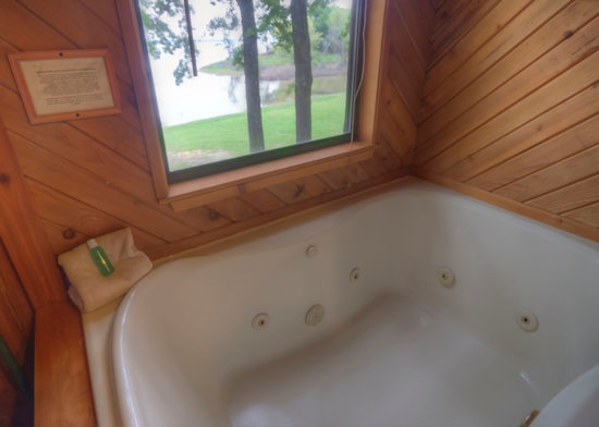 Flowing Wells Resort: Jetted 2-person Jacuzzi