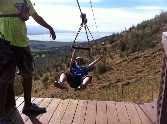 Flyin Hawaiian Zipline : Goin backwards