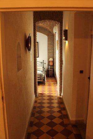 Maison Arabo Andalouse : La camera vista dal bagno