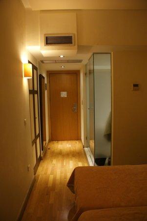 Arion Athens Hotel: halletje