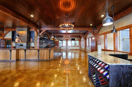Owera Vineyards: The tasting room