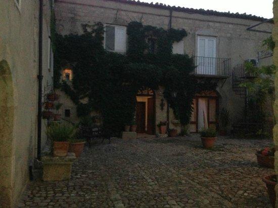Agriturismo Villa Padura: Il cortile