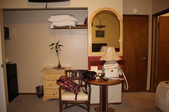 Lokahi Lodge: Olena room