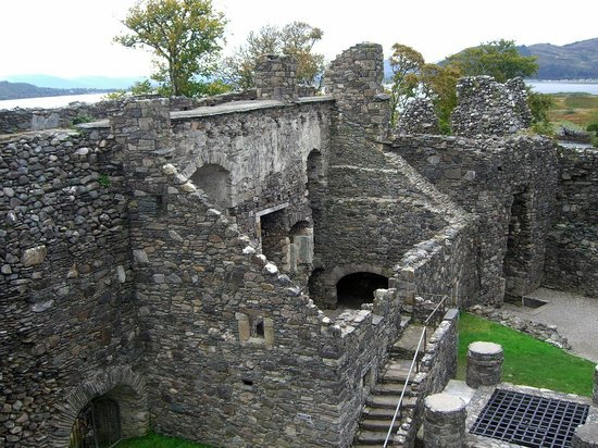 Dunstaffnage Castle & Chapel: Castle Interior