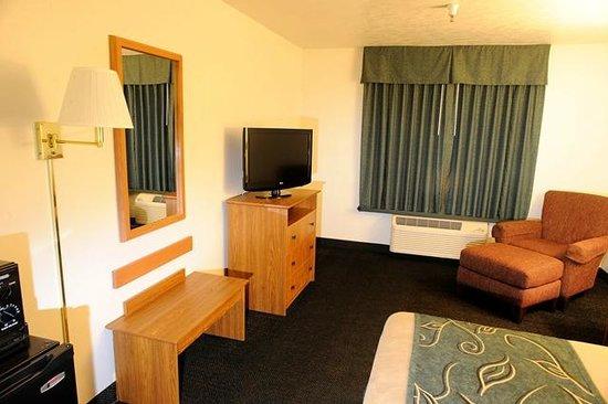 Oak Tree Inn Green River: Guest Room
