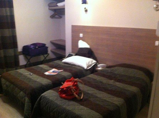 Hotel des Ducs : chambre propre et jolie