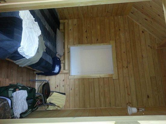 Ashland Resort: Back room of the Deluxe cabin