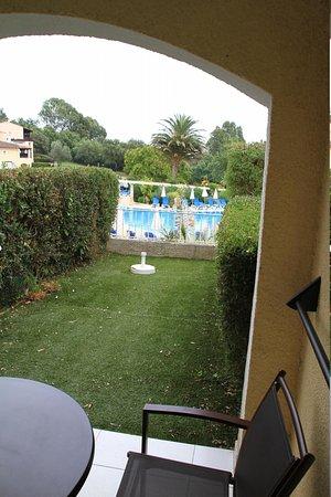Pierre & Vacances Résidence Les Parcs de Grimaud : La terrasse couverte