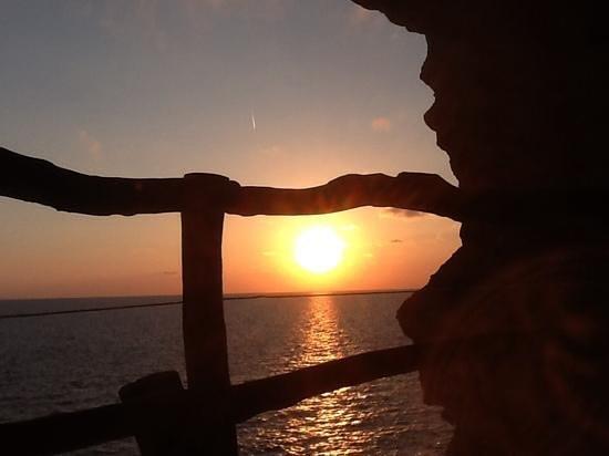 Cova d'en Xoroi: sunset seen from caves