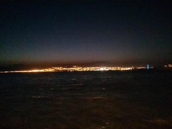 City Beach: nice view at night