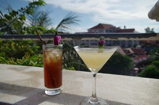 Terrasse des Elephants: Drinks at the pool