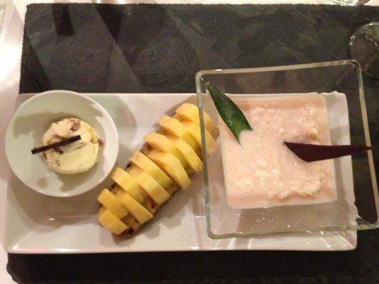 Carte blanche: Riz au lait / ananas / boule de glace!