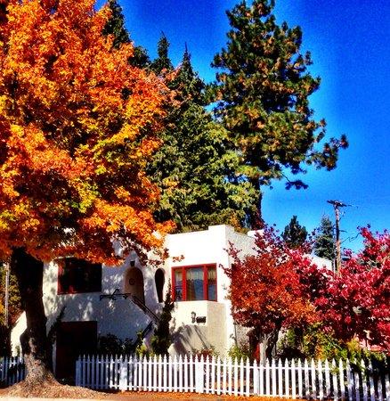 Dream Inn Mount Shasta: Dream Inn Spanish House 330 Chestnut Mount Shasta, Ca