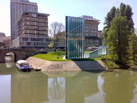 Centro Storico: Monumento di Libeskind al 11 settembre 2001