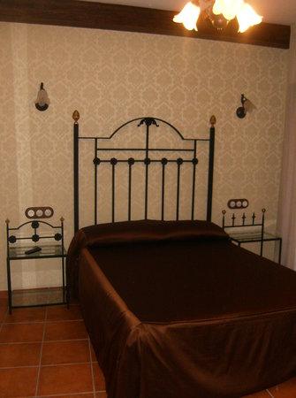 Hotel Restaurante Can Joan: habitacion tramuntana