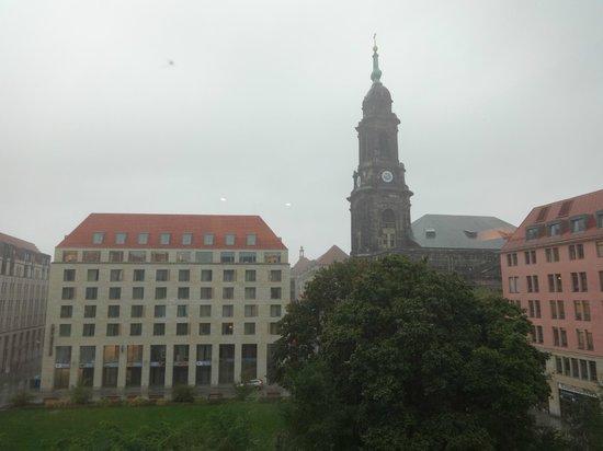 Holiday Inn Express Dresden City Centre: Vista da janela do 4º andar do hotel