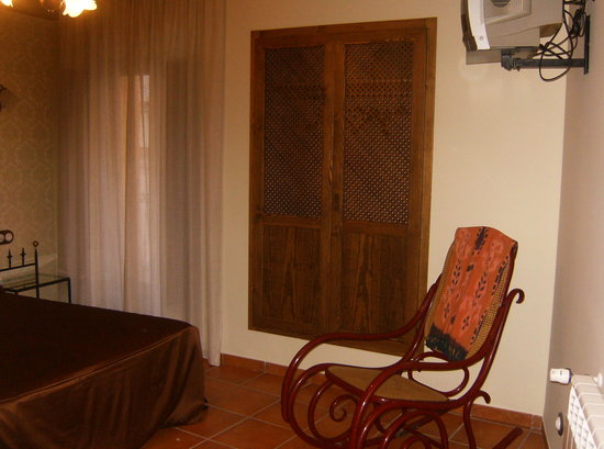 Hotel Restaurante Can Joan : detalle habitacion