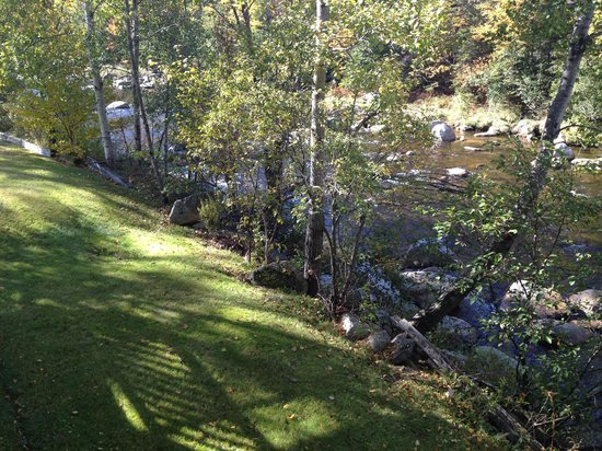 The Wayside Inn: View from balcony to river