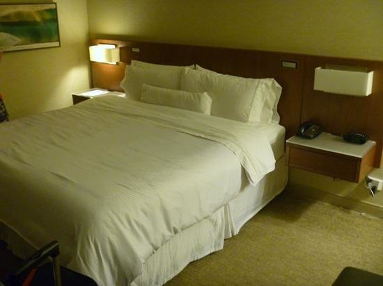 The Westin San Diego Gaslamp Quarter: our room, best bed!