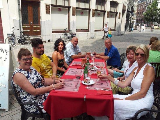 Trattoria Da Pino - i Fratelli d'Italia : de italiaanse klas van Angela Pisoni
