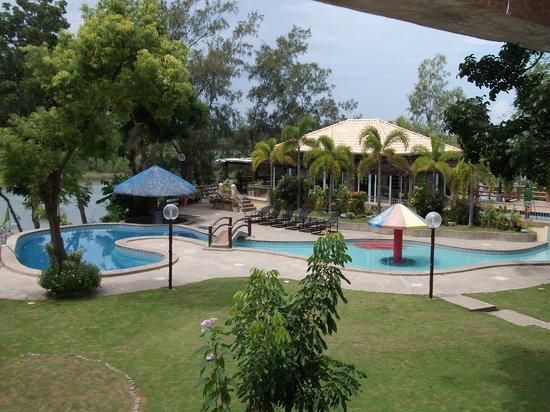 Rio Grande de Laoag Resort and Hotel : Poolside