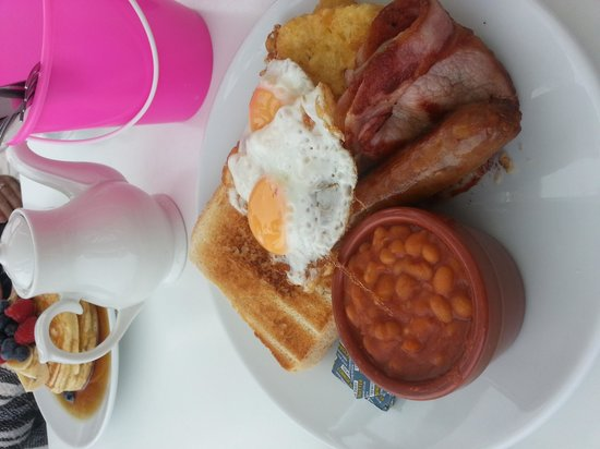 Porthmeor Cafe: cooked breakfast