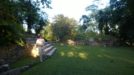 Pook's Hill Lodge: Pook's Hill Ruins