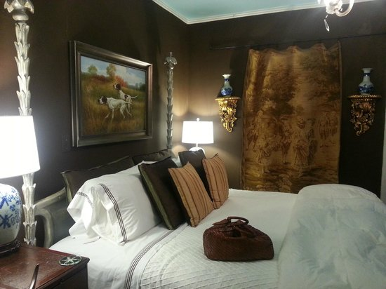 The Inn at Court Square: One of the bedrooms in our suite