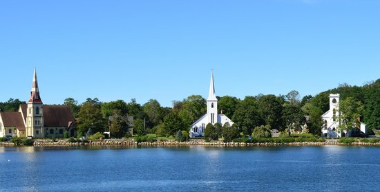 Mahone Bay Bed and Breakfast: The Three Churches Mahone Bay