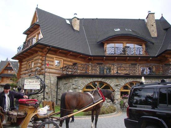 Zakopianski Dwor: fachada do hotel