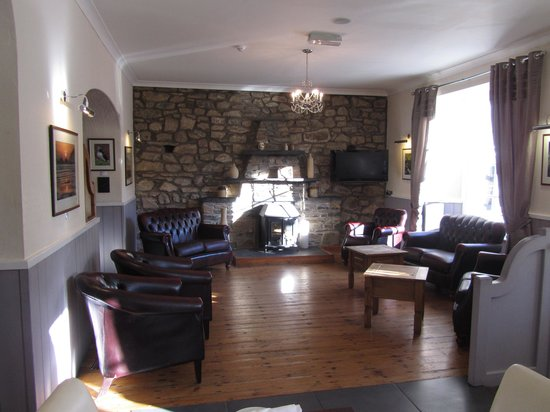 Gellifawr Woodland Retreat: The common lounge area
