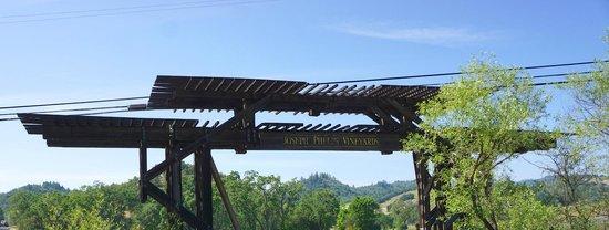 Joseph Phelps Vineyards: Entrance