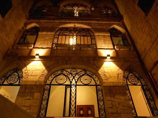 Custodia Di Terra Santa Casa Nova: Windows