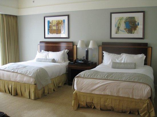 The Ritz-Carlton, Charlotte: Bedroom