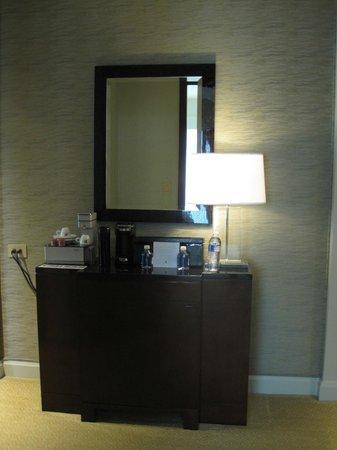 The Ritz-Carlton, Charlotte: Hallway