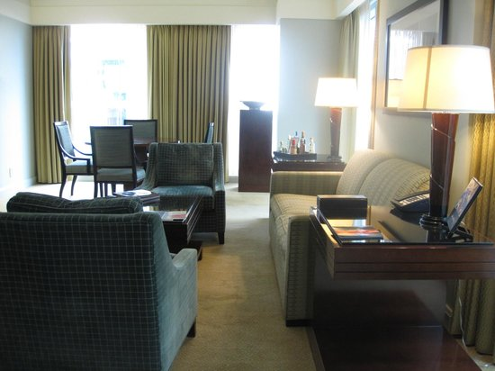 The Ritz-Carlton, Charlotte: Living Room