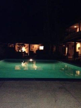 La Maison Hotel: Quiet night swim