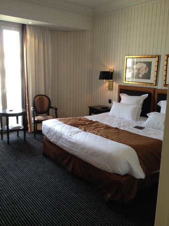 Hotel Barriere Le Majestic Cannes: chambre