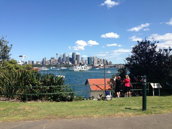 Cremorne Point to Mosman Bay Walk: The City from Cremorne Point