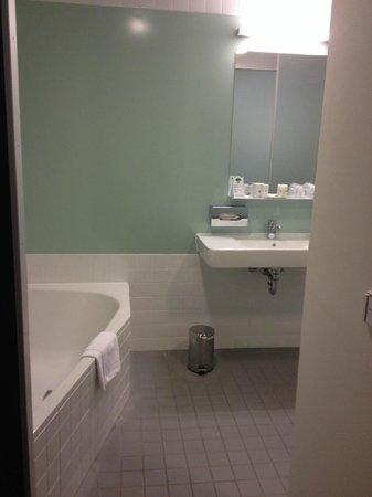 Hotel Stuecki Basel: bathroom