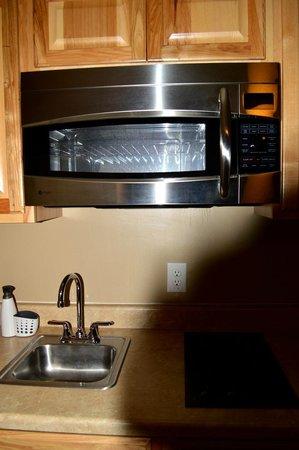 Creekwood Inn: Microwave oven